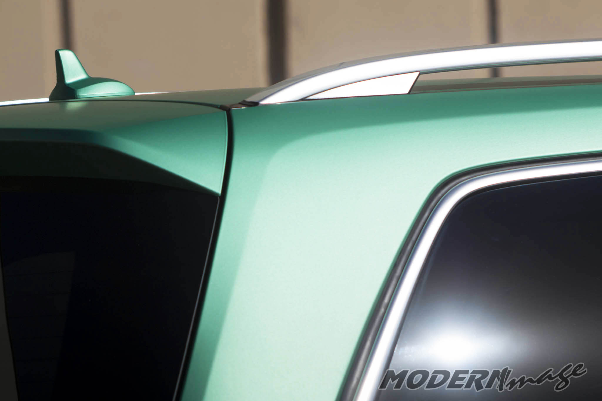 Modern image mercedes gls500 satin emerald green wrap 08 for Emerald satin paint